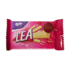 Вафельный батончик с малиновой начинкой Pink Ribbon Lea Milka 33,3 гр